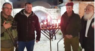 דגן והרב לבנון בקבר יוסף