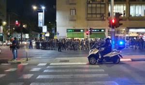 מאות התפרעו בתל אביב; חמישה נעצרו