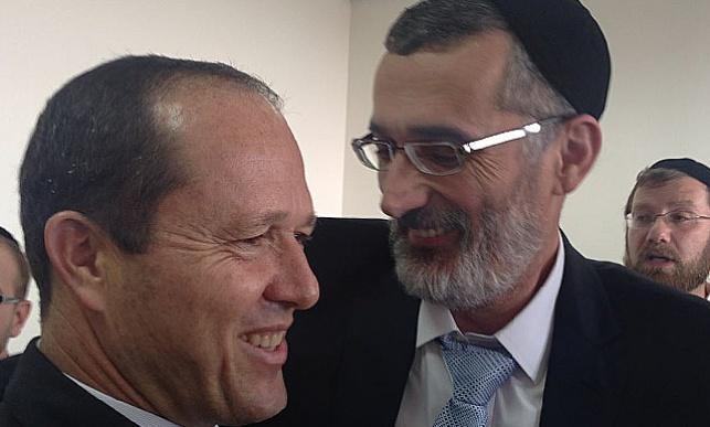 צביקה כהן וראש העיר ניר ברקת