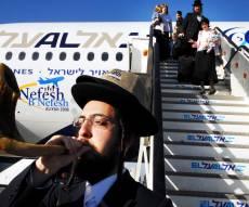 """""""טיסת השבת"""": הנוסעים מאשימים - אל על רימתה אותנו"""