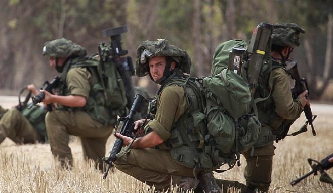 """צפו: חיילי צה""""ל בלחימה מבית לבית"""
