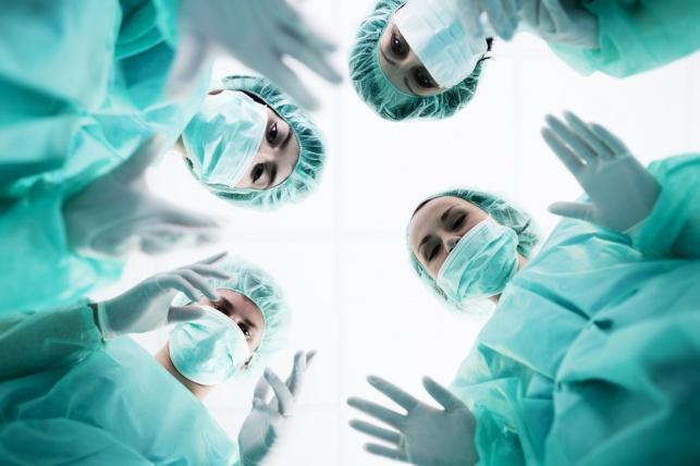 רופאים. אילוסטרציה, למצולמים אין קשר לנאמר