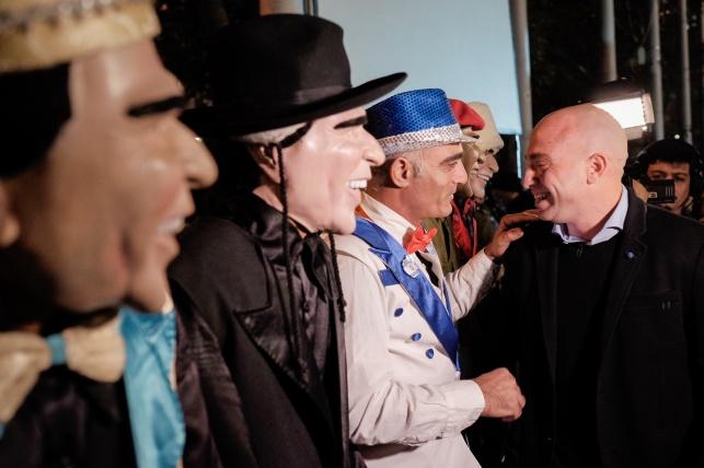 זיו שילון, המארגן, לצד דמויות מקוריות בהפגנה הערב
