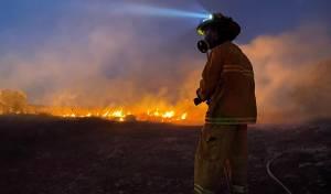 הושגה שליטה על שריפת הענק בעיר אלעד