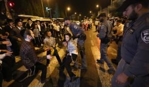 תיעוד: הפגנה סוערת במחאה על גיוס בנות
