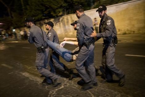 """מעצר. אילוסטרציה - מה המחיר למעצר בלתי חוקי של המשטרה? // עו""""ד יוסף ויצמן"""