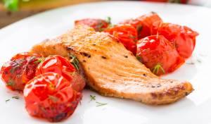 פילה סלמון צלוי עם עגבניות שרי