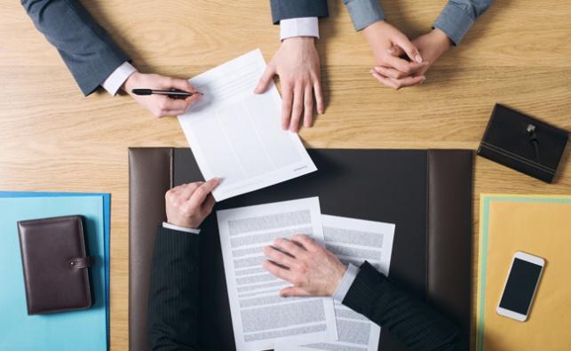 עורך דין שהפר את אמון לקוחותיו יפצה אותם בכ-60,000 שקל
