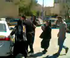המעצר ליד הלשכה - עוד עצור: הגיע ללשכה עם אמו - ונעצר. צפו
