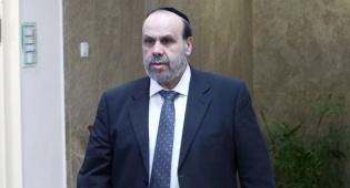 ה שר לשרותי דת דוד אזולאי - בפטור ממכרז: 2.4 מיליון שקל למימון תוכניות תודעה יהודית