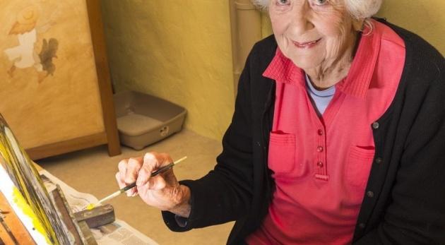 אף פעם לא מאוחר מידי. אילוסטרציה - לעולם לא מאוחר מידי: בת 83 הפכה לציירת במיטת חוליה