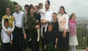 רבקה רביץ ובני משפחתה.