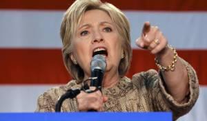 """""""אנחנו צריכים נשים חזקות שיתפשו אומץ וידברו"""" - קלינטון נגד טראמפ: """"אנחנו צריכים נשים חזקות ואמיצות כדי להוביל"""""""