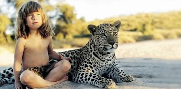 ילדת הג'ונגל שגדלה על ברכי נמרים פילים ואריות