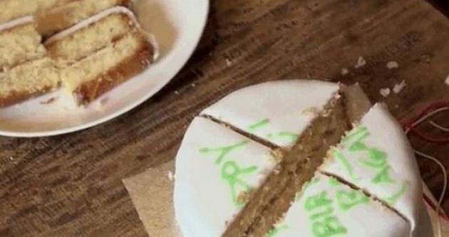 כך חותכים נכון עוגה.