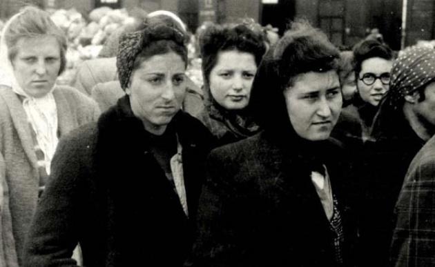 """נשים בשואה: לאן תפנה ידו של ד""""ר מנגלה?"""