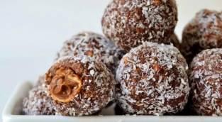 כדורי שוקולד עם הפתעה מלוחה מתוקה - כדורי שוקולד עם הפתעה מלוחה מתוקה בפנים