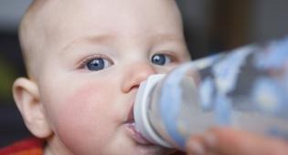 מה תאכילו את התינוק בשנה הראשונה?