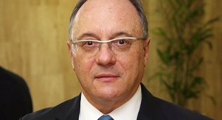 """ליאו ליידרמן הנגיד החדש של בנק ישראל - פרופ' ליידרמן: """"מוקדם עדיין לחגוג את סיום המשבר ביוון"""""""