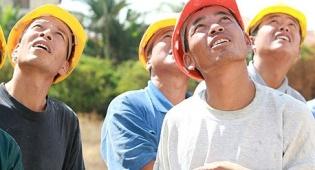 """מוסף נדלן נדל""""ן פועלים סינים פועלים מ סין - דרעי האריך שוב בחצי שנה את אשרת העבודה ל-3,000 עובדי בניין מסין"""