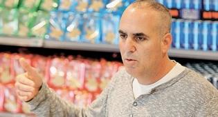 """אירי שחר מנכ""""ל רשת המזון אחד - אירי שחר סוגר את הסניף הראשון של רשת """"אחד"""""""
