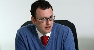 """מתיו גולד שגריר בריטניה בישראל - """"ממשלת בריטניה מתנגדת לחרמות, ויש הסכמה על כך גם באופוזיציה"""""""