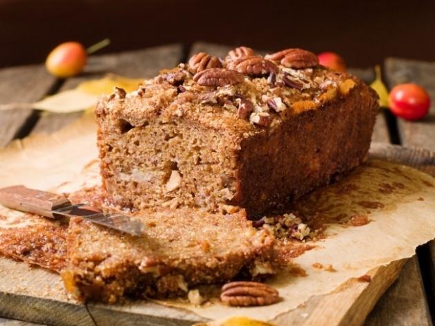 פשוט נהדרת: עוגת אגוזים ותמרים