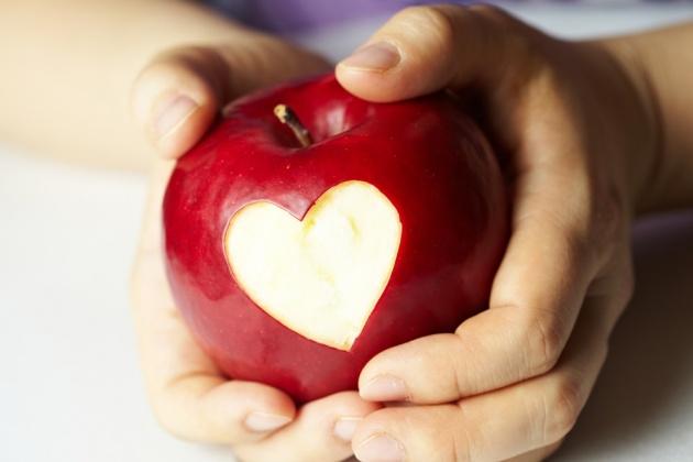 פרשת קדושים: אהבה ומתכון לתפוחים ביין ועוגיות