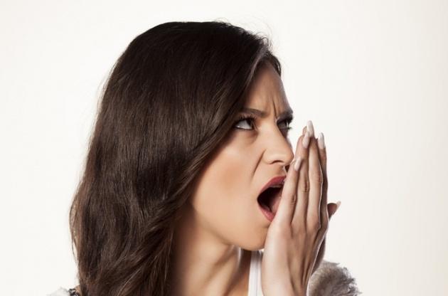סובלת מריח רע מהפה? כך תיפטרי מהתופעה