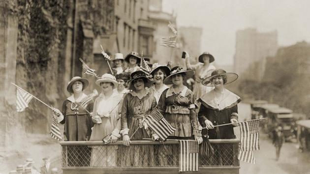 """מאבק הנשים בארה""""ב להצבעה בבחירות"""