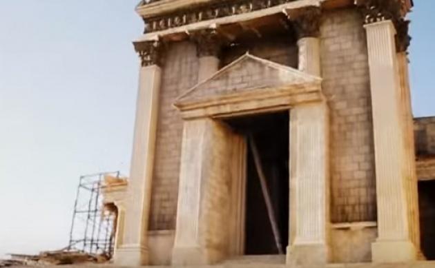 העתק של בית המקדש שנבנה בלב המדבר
