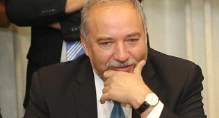 אביגדור ליברמן שר הביטחון - בניגוד להסכמים: ליברמן דורש תוספת של 4 מיליארד שקל לתקציב הביטחון