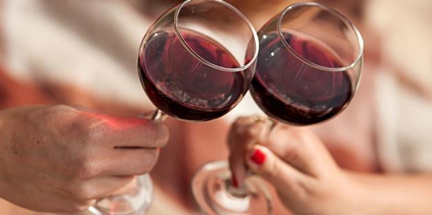 הפעם זה בדוק, לחיים.. - מחקר: שתיית יין גורמת לשלום בית