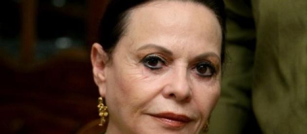 """גילה אלמגור - דרמה מאחורי הקלעים של ההצגה ב""""הבימה"""": גילה אלמגור נפלה"""