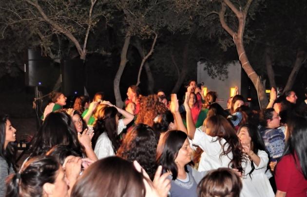 פסטיבל מחוללות בכרמים - צפו: מאות נשים התאחדו בפסטיבל מחוללות בכרמים