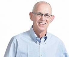 """מוסף שבועי 2.4.15 ד.נ.א. דברים שלמדתי בבית אריק שור מנכ""""ל תנובה - מנכ""""ל תנובה לשעבר אריק שור מקים תאגיד מזון חדש"""