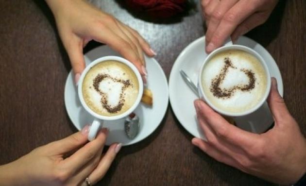 אפילו ישיבה לכוס קפה משותפת יכולה לחולל פלאים