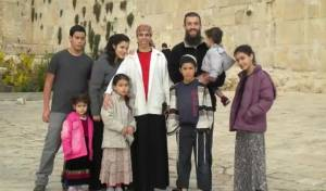 """הרב נחמיה לביא הי""""ד ומשפחתו שיחיו"""