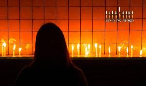 מאירות את הנרות