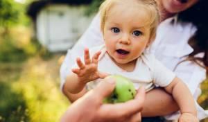הילד עובר התעללות? כך תבדקו - חובת צפייה: 5 סימנים שהילד עובר התעללות בגן