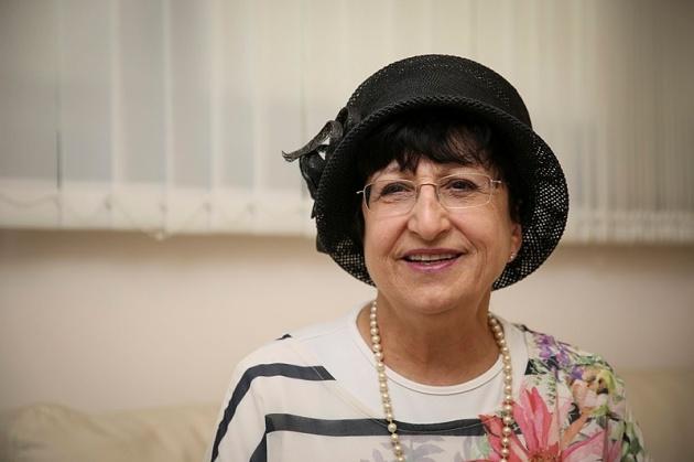 הרבנית עדינה בר שלום