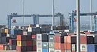 מכולות בנמל אשדוד - ה-OECD מעלה את תחזית הצמיחה בישראל; מוריד אותה לשאר העולם