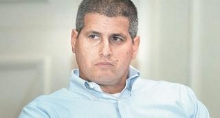 """ארז גולדשמידט מנכ""""ל פועלים אי בי אי חיתום - פועלים אי.בי.אי: 10 גיוסי אג""""ח מארה""""ב, 11 עובדים בישראל ורווח נקי של 27 מיליון שקל"""