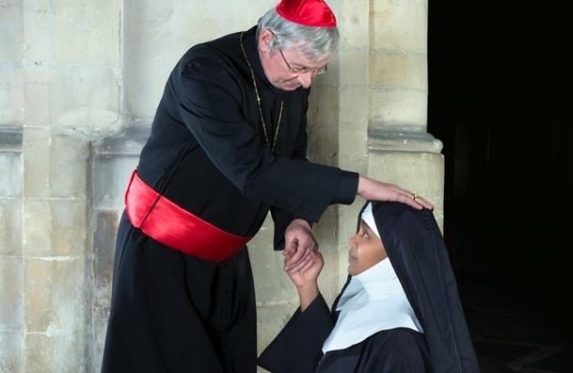 הכומר תפס אותה 'על חם'. המצולמים הינם שחקנים
