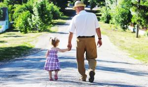 נחמד שיש סבא בסביבה, אבל מה עם הזוגיות?