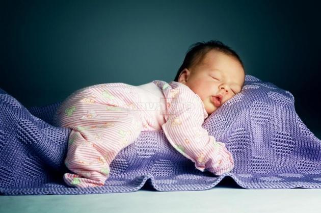בטן או גב? מהי התנוחה הכי טובה לשינה בריאה