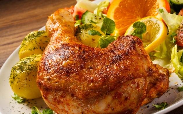 נהדר: עוף צלוי בניחוח תפוז ולימונים
