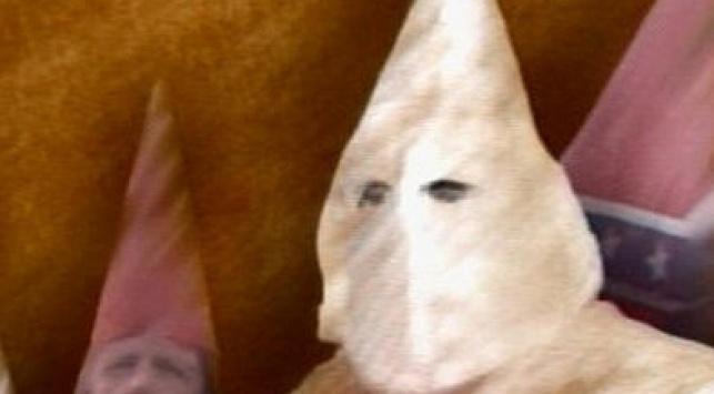 """חיות האדם הפועלים בשם """"הגזע הלבן"""""""