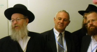 הרב ליצמן בז´נבה, היום (צילום: כיכר השבת) - הרב ליצמן בוועידת ז´נבה