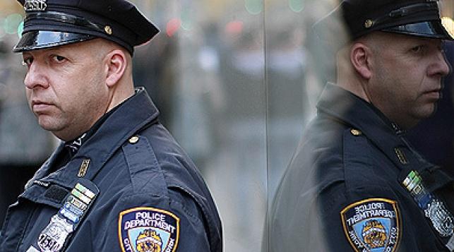 אבטחה ליד מרכז יהודי בניו יורק (פלאש 90)